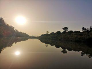 Amanecer en el río Gambia en Wassadou
